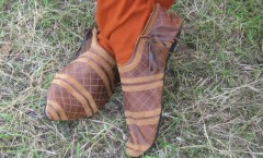 carved leather medieval shoes 4