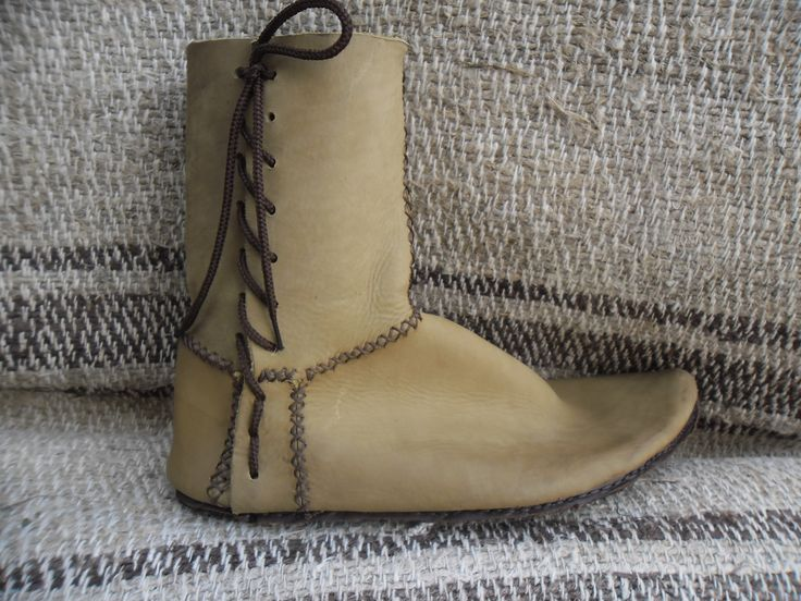 London side-laced medieval boots