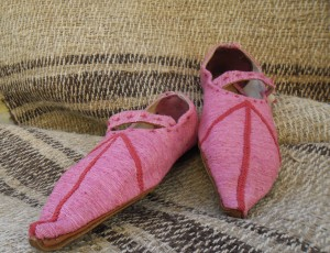 Decorated-medieval-shoes